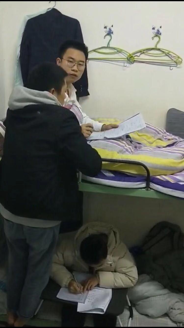 學生宿舍自主集體學習剪影